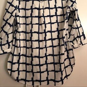 Women's blouse with long sleeves